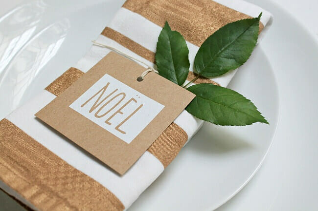 DIY-Christmas-napkin09_resized (1)